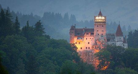 Kattints a képre a nagyításhoz  Cím:  A törcsvári (Drakula) kastély.jpg Megnézték: 7853 Méret:  76,9 KB Azonosító:  1068