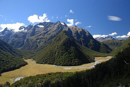 Kattints a képre a nagyításhoz  Cím:  Déli-sziget - Új Zéland.jpg Megnézték: 802 Méret:  96,8 KB Azonosító:  1069