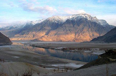 Kattints a képre a nagyításhoz  Cím:  Pakisztán - Skardu.jpg Megnézték: 1169 Méret:  231,5 KB Azonosító:  1072