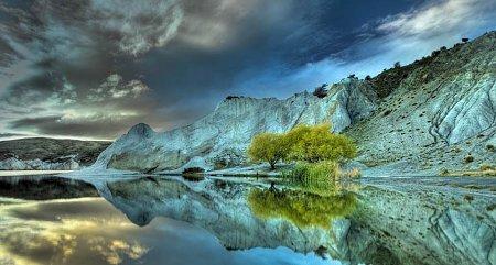Kattints a képre a nagyításhoz  Cím:  Kék-tó - Új-Zéland.jpg Megnézték: 5660 Méret:  77,3 KB Azonosító:  1095