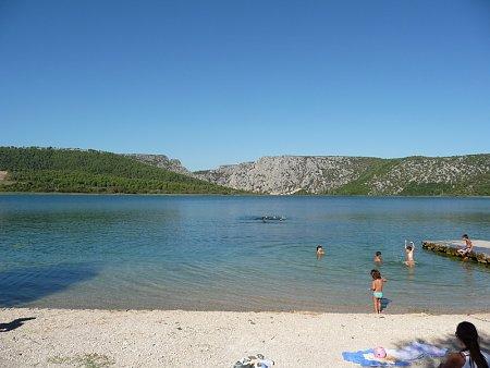 Kattints a képre a nagyításhoz  Cím:  Visovac strand.JPG Megnézték: 1043 Méret:  164,3 KB Azonosító:  114