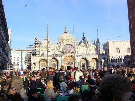 Kattints a képre a nagyításhoz  Cím:  Velence - Szent Már Tér.jpg Megnézték: 1046 Méret:  216,0 KB Azonosító:  25