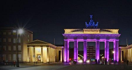 Kattints a képre a nagyításhoz  Cím:  Fények Fesztiválja - Berlin - Brandenburgi kapu.jpg Megnézték: 3938 Méret:  78,9 KB Azonosító:  285