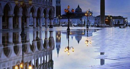 Kattints a képre a nagyításhoz  Cím:  Szent Márk tér - Dózse-palota.jpg Megnézték: 4007 Méret:  78,4 KB Azonosító:  404