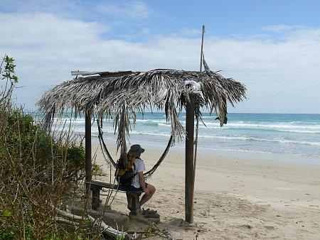 Kattints a képre a nagyításhoz  Cím:  Galapagos Zsozsóval a parton.JPG Megnézték: 646 Méret:  896,6 KB Azonosító:  557