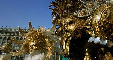 Kattints a képre a nagyításhoz  Cím:  Maszkok a karneválon - Velence.jpg Megnézték: 3383 Méret:  80,8 KB Azonosító:  840