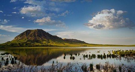 Kattints a képre a nagyításhoz  Cím:  Bear Butte - Dél-Dakota.jpg Megnézték: 1028 Méret:  73,7 KB Azonosító:  964