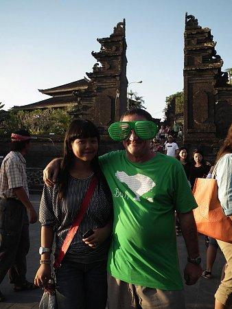 indonezia-szemueveg.jpg