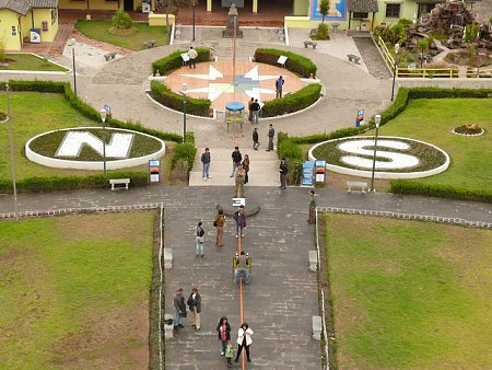 ecuador-es-galapagos-szigetek-tn_1egyenlito-vonal.jpg