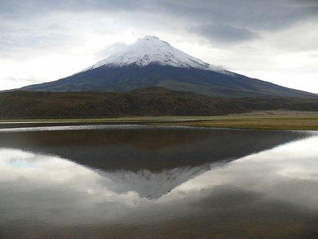 ecuador-es-galapagos-szigetek-tn_1vulkan-csucs-tuekroezodo.jpg