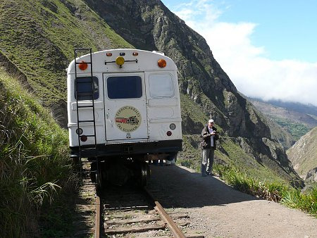 ecuador-es-galapagos-szigetek-vonat-hegyekben.jpg