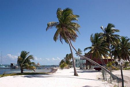 guatemala-beliz-caye-caulker-beach-2.jpg