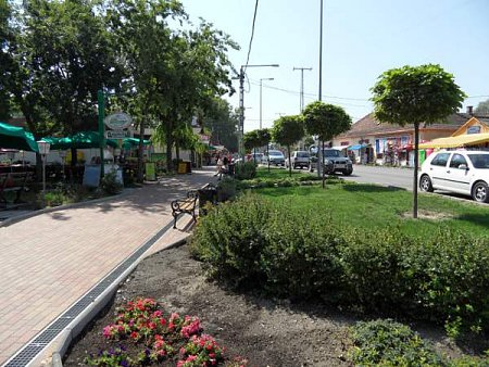 balaton-mariafuerdo-centrum-3.jpg