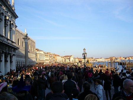 velence-velence-tengerpart.jpg