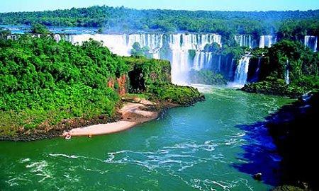 onkentes-munka-kuelfoeldoen-brazilia2.jpg