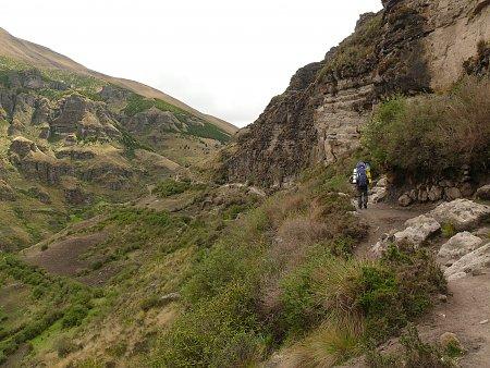 ecuador-es-galapagos-szigetek-seta-hegyekben.jpg